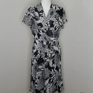 Jones Wear Black Gray Floral Dress